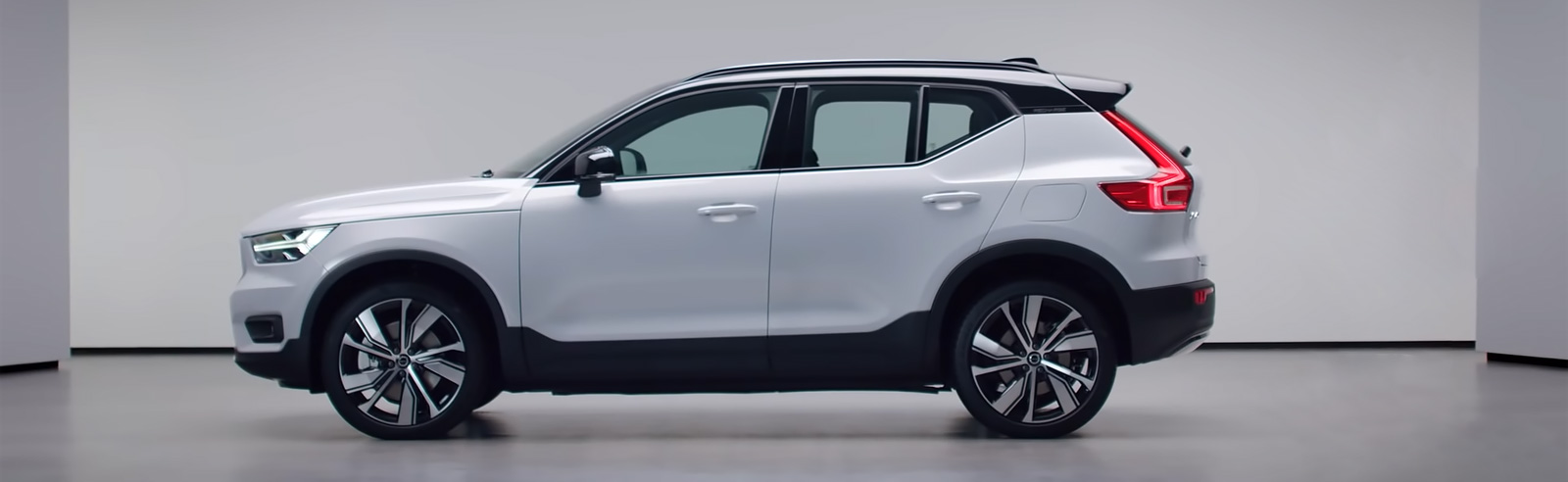 Volvo XC40 Recharge P8 AWD walkaround video