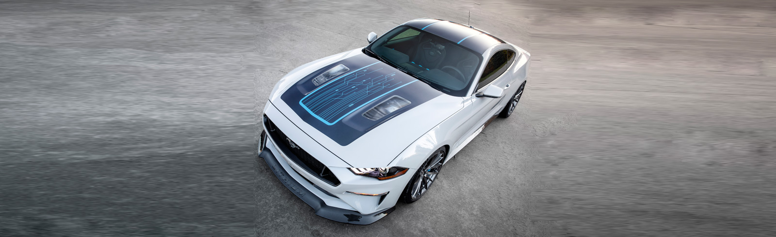 Ford and Webasto showcase the Mustang Lithium BEV with a 6-speed manual gearbox