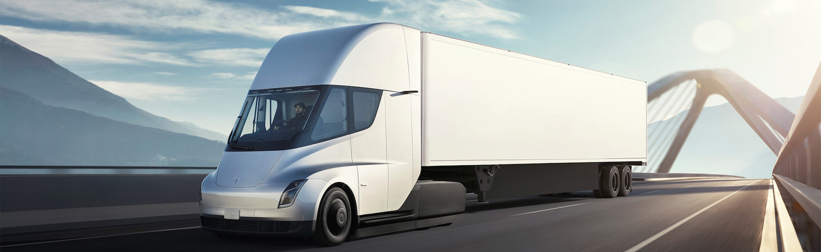 "Tesla Semi will enter production at the end of 2020, the ""Cyberpunk truck"" will be unveiled this summer"