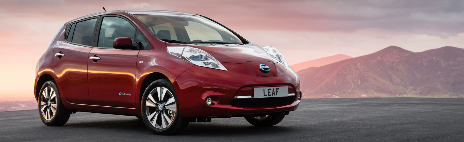 """Nissan LEAF named """"Best Used Electric Car"""" in Electrifying.com Awards 2021"""