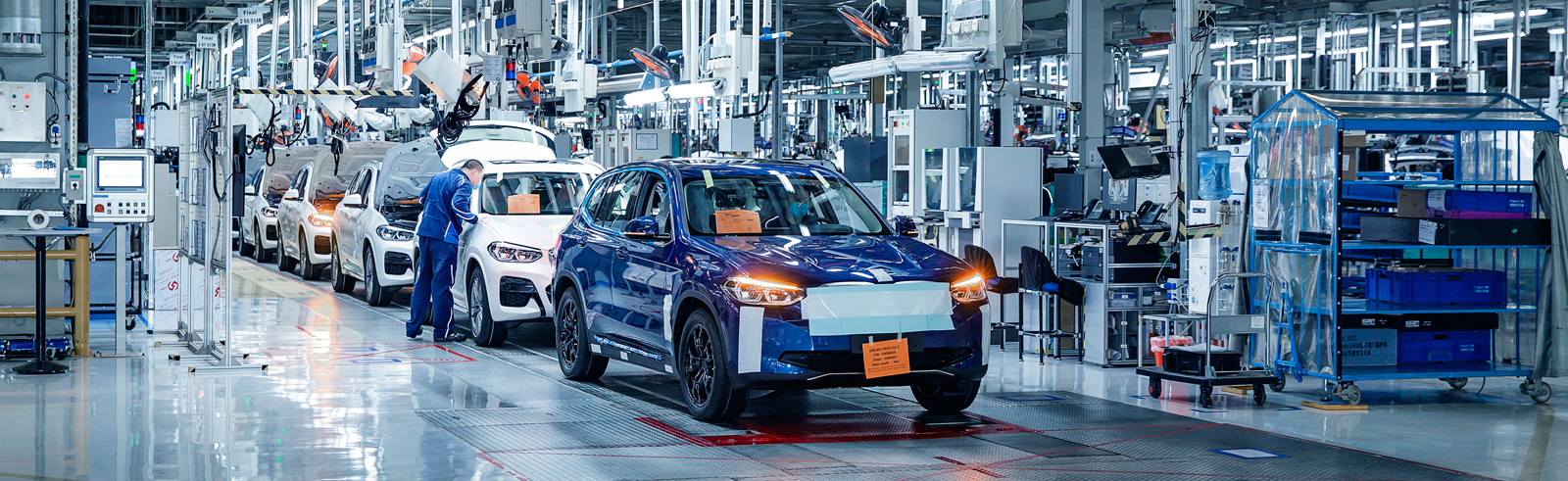 BMW iX3 production develops as scheduled