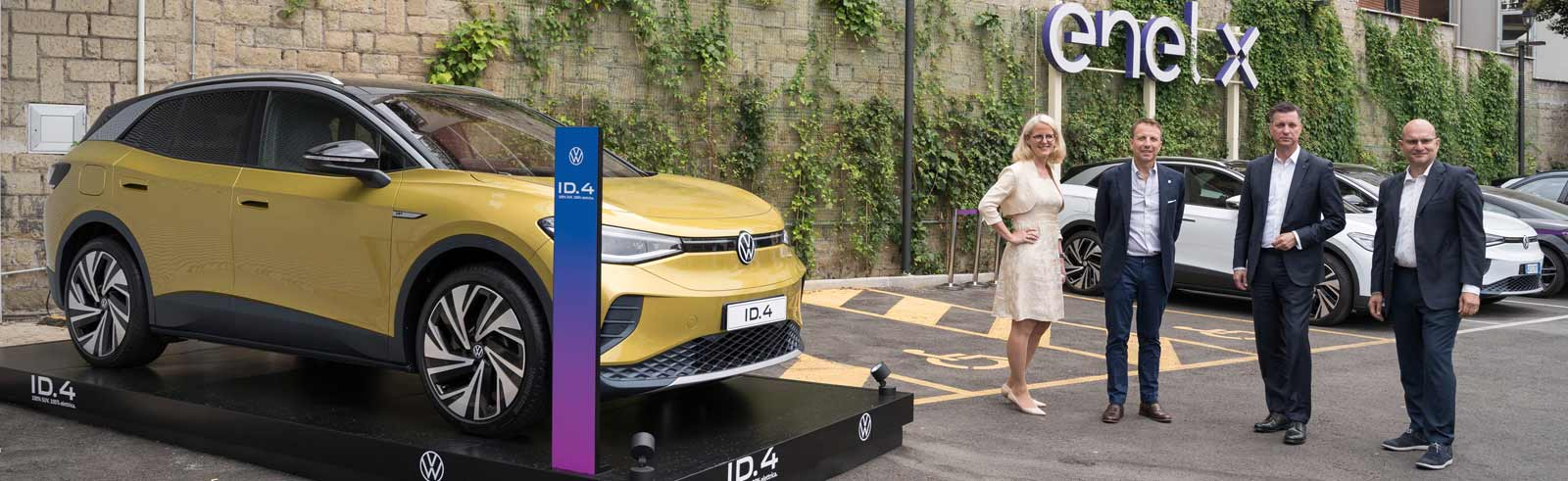 Enel X and Volkswagen Group set up a JV for creating and managing an EV charging network in Italy
