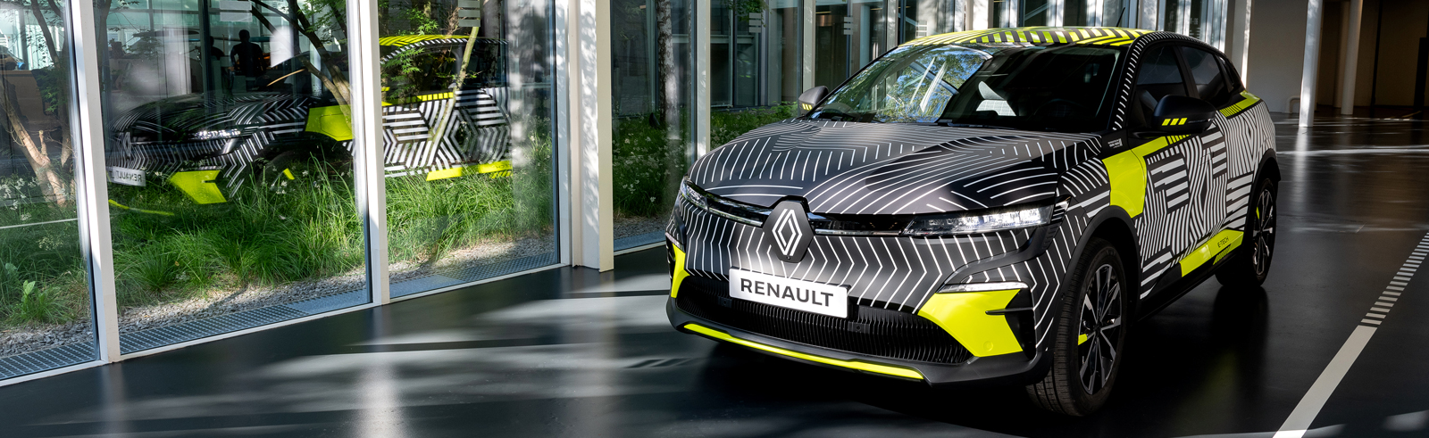 Renault previews the Mégane E-Tech Electric with a 450 km of range