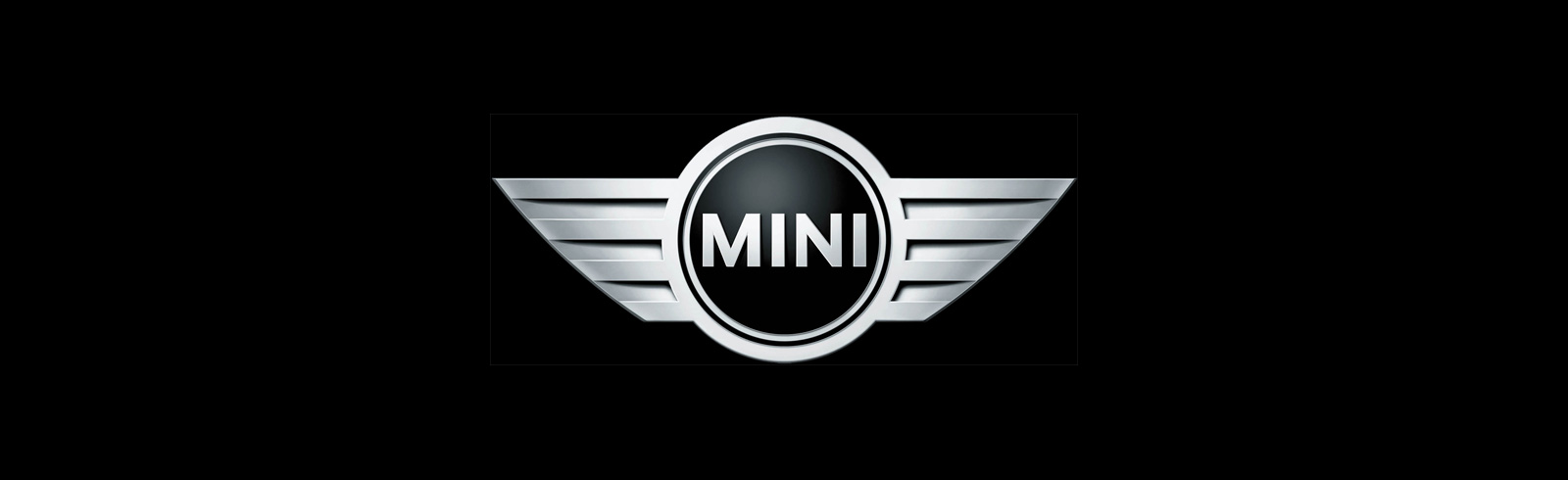 Mini Cooper SE exposed without camouflage