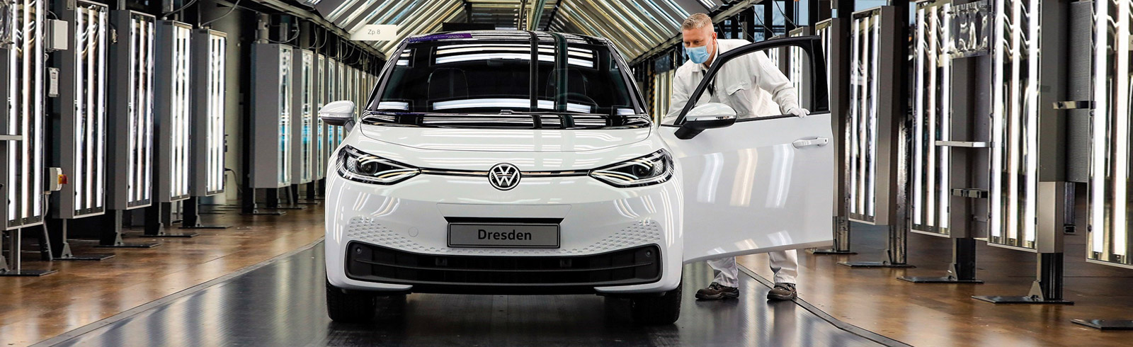 Volkswagen began series production of the ID.3 in Dresden, open a battery recycling facility in Salzgitter